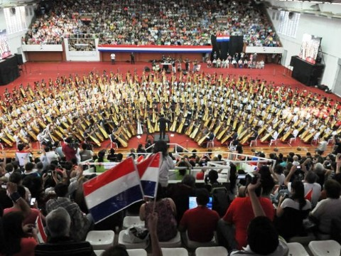 Paraguay quiere liderar a los 10 mejores pa�ses que alcanzaron un R�cord Guinness en Latinoam�rica. En 2013, Paraguay gan� el prestigioso reconocimiento por tener la orquesta de arpas m�s grande del mundo.