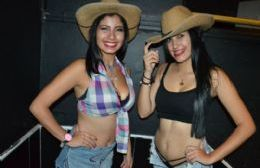 Las Cowgirls y los Cowboys de Mary Prieto